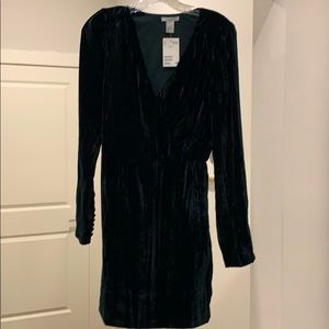 NWT hunter green crinkle mini cocktail dress